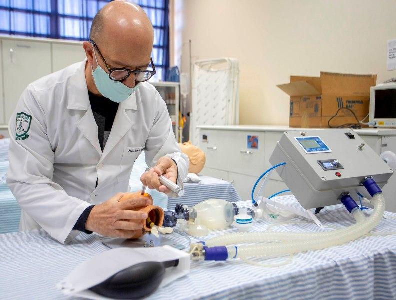 2020 07 03 Testes Respiradores Fabricados na UEM HUM Fisica 9149